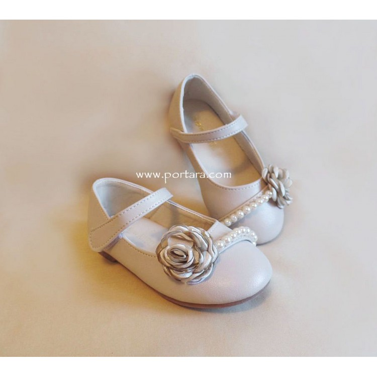 1729b92ae7c Champagne Color Girl s Shoes with a Satin Flower and Pearls
