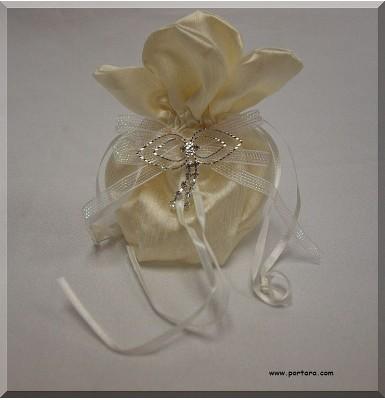 Amazing Silky Ivory Beauty Bomboniere Gift Favor