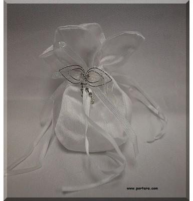 Amazing Silky White Beauty Bomboniere Gift Favor