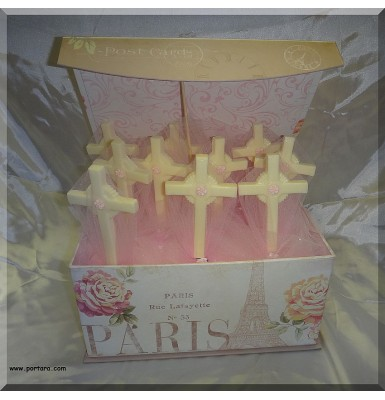 Amazing Cross White Chocolate Lollipops Centerpiece Idea