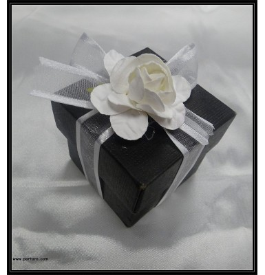 Elite Black European Presentation Favor Boxes with Confetti in Classic Style