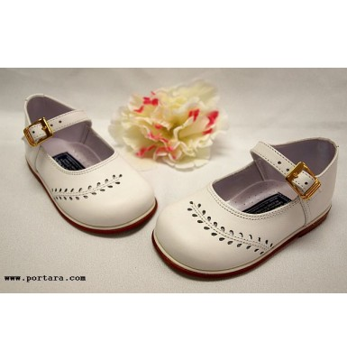 Flower Blossoms Girls Shoes in White Color
