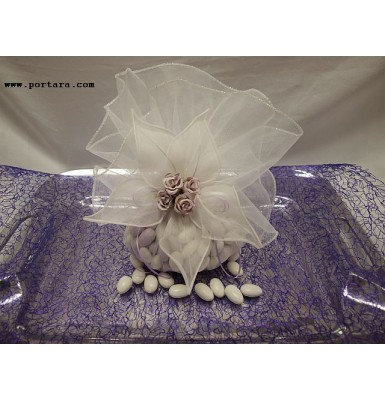 An Impressive Decoration for Your Wedding Tray that Displays the Crowns